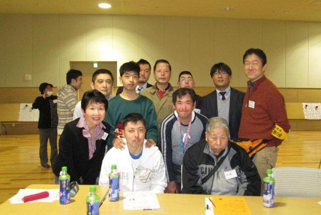 参加者のみなさん 前列左が小矢野和子会長