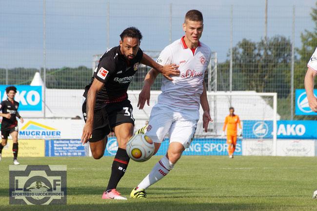 2017: Der deutsche Nationalspieler Karim Bellarabi im Testspiel und präsentation der neuen JAKO-Trikots der Mannschaften Bayer 04 Leverkusen und den Würzburger Kickers in Hollenbach.