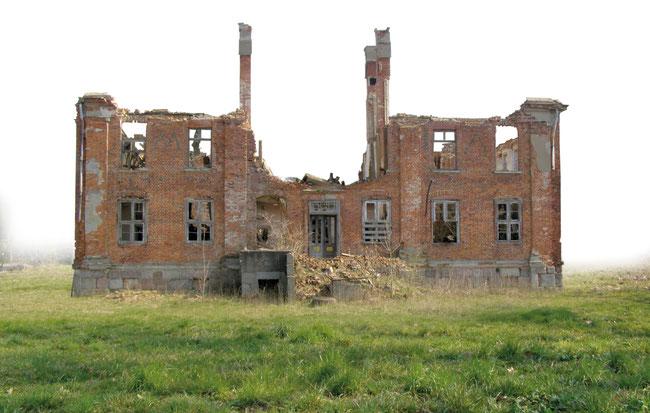 Die Reste eines Herrenhauses 2008.