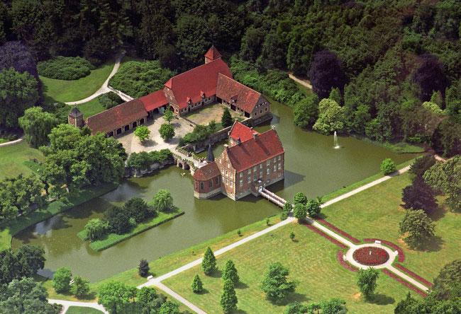 Burg Hülshoff  Foto: Presseamt Münster / Bernhard Fischer