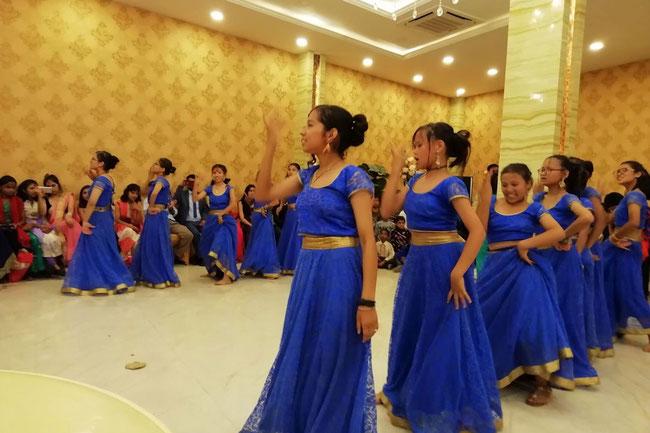 Tanzvorführung im Rahmen der Hinduhochzeit