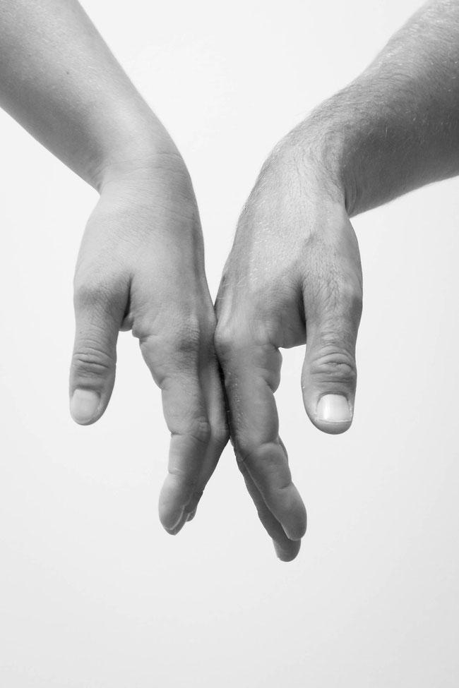 Andrea - Foto 2 - Berührende Hände