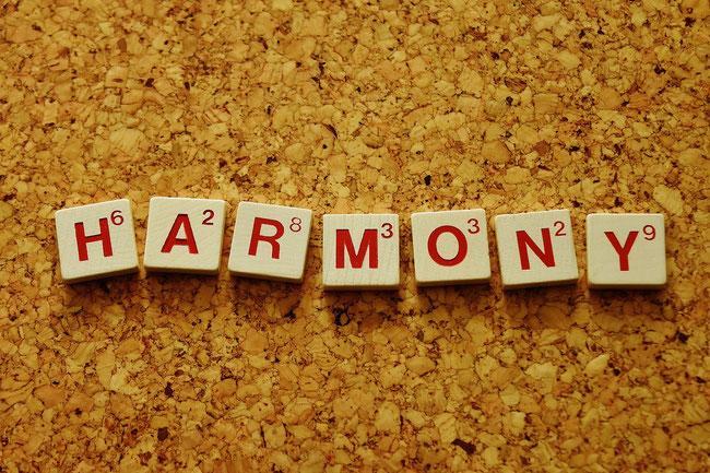 Kreise zeichnen für mehr Harmonie und Entspannung im Alltag, Malen gegen Stress # Harmonie #Kreise #lieberglücklich #lieberentspannt #glücklich #Ruhe #Maltherapie #Ausdrucksmalerei #Lebensberatung #Lebenshilfe #Berlin