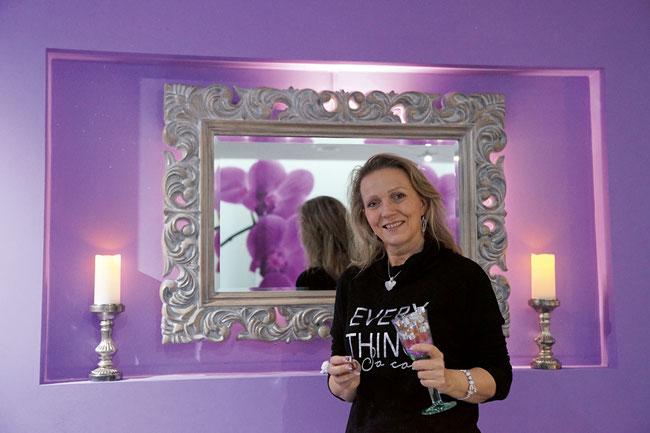 Jris Engeli freut sich in ihrer neuen Beauty Oase in Stein auf Ihren Besuch.