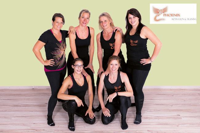 Die Crew des Phoenix-Fit Studios mit (stehend von links): Marion Elsener, Tanja Schibler, Bea Güdemann, Petra Hasler sowie Carmen Schmid und Sandra Müller.