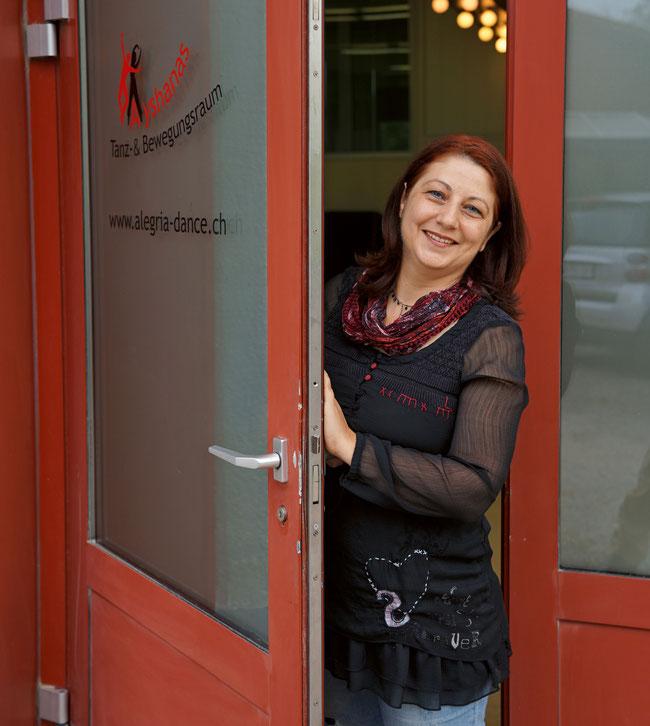 Tanzpädagogin Ayshana Rosamilia bittet in ihren neuen Tanz- und Bewegungsraum in Gipf-Oberfrick herein.