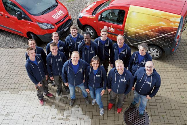 Das motivierte Team der Rubin Elektrotechnik GmbH in Herznach mit dem Geschäftsleiterpaar Petra und Jürg Rubin.