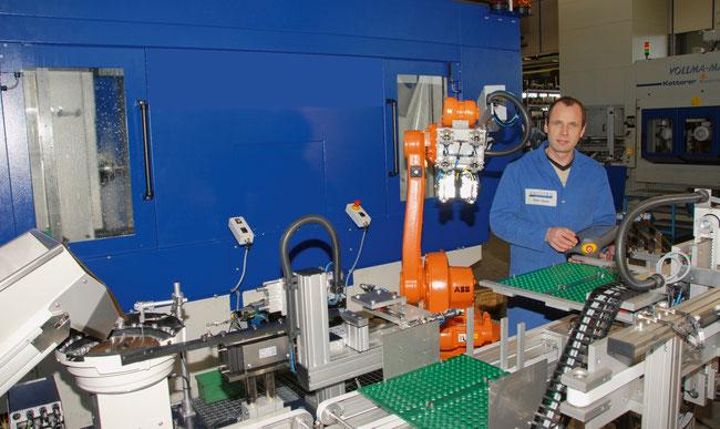 Peter Deiss von Adcotec in Zeihen bietet auch kleinen Unternehmungen Automatisierungs-Lösungen für  eine erfolgreiche Zukunft an.