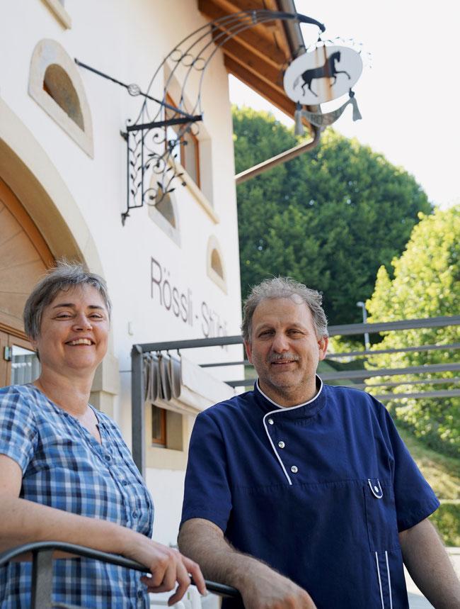 Caroline und Robert Probst-Kamstra sind seit fünf Jahren Gastgeber im «Rössli» Zeihen mit seiner europäisch-asiatischen Küche.