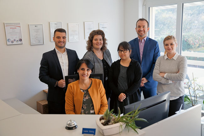 Die «Boutique»-Crew der Personalberatung Persaga AG in Rheinfelden, von links: Armend Mustafa, Isabel Bättig, Sabrina Bossard, Sairung Zutter, Malte Commandeur, Olivia Cugini.