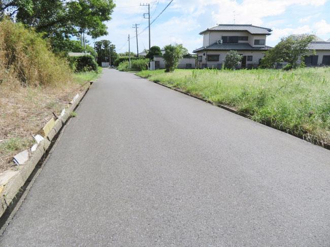 前面道路も広く、接道状況は良好です