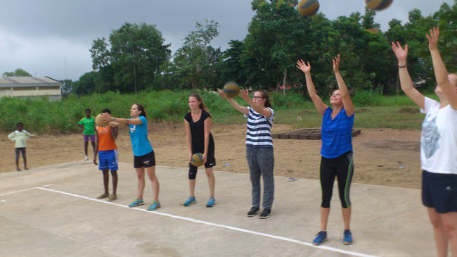Initiation au Volley Ball au camp chantier ETE 2015
