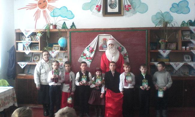 Учнів НВК привітав Святий Миколай