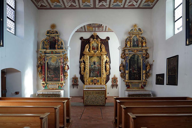 Galluskapelle, links neben dem Hochaltarbild Sant Fridli. (Foto: Chorherrenstift Archiv)