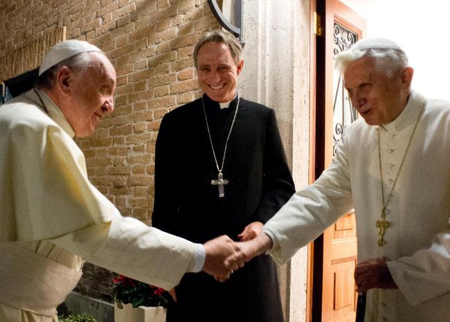 Erzbischof Gänswein - Diener zweier Päpste Benedikt XVI. und Franziskus I.