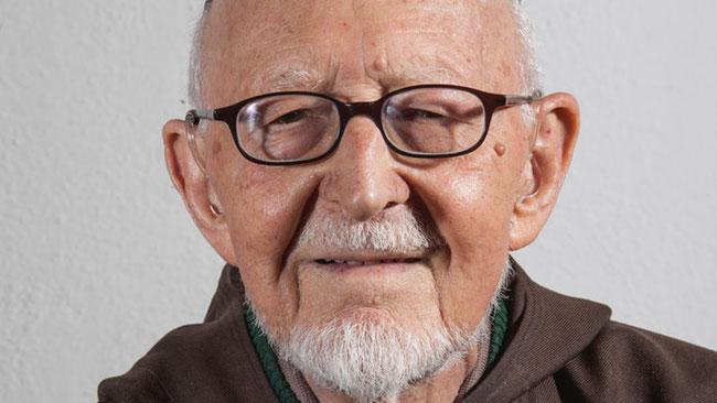 P. Oktavian Schmucki, OFMCap, ehemaliger Näfelser Klosterschüler und bester Kenner des Franziskus von Assisi, gestorben. (Foto: Kapuzinerprovinz Schweiz)