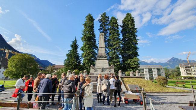 """Denkmal -Stätte der Erinnerung an die Näfelser Fahrt, an das """"Abärutschä"""" auf der Steintreppeneinfassung und vielleicht auch ans Kiffen..."""