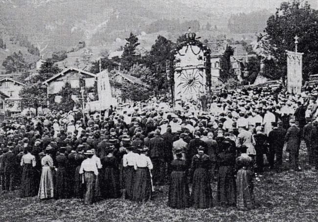 Archivbild: Herz-Jesu-Fest anno 1900 (Foto: Ammler Ziitig)