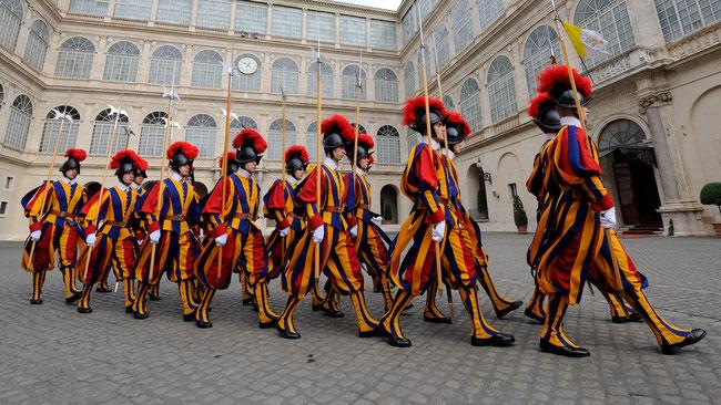 Aufmarsch der Schweizergarde (Foto: Päpstliche Schweizergarde)