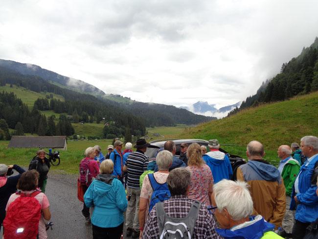 Chrüüzegg - Blick gegen Staafel, Näfelser Berge, Obersee - Ist hier der Suworow-Russe begraben?