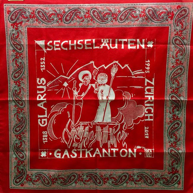 Glaarner Tüächli für das Sächsilüüte 2017,  Design: Jürg Glarner, von Zürich und Diesbach, Zünfter,  Druck: Blumer & Cie AG, Niederurnen.  ( Foto: NZZ Zürich, Lena Schenkel 21.4.2017)