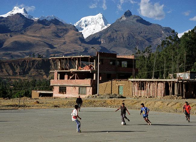 Peru, Huaraz, Ranrapalca, Fussball
