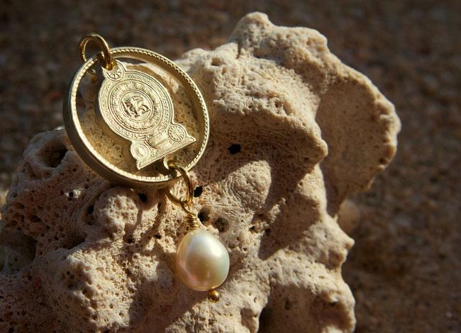 Münzsägewerk Katrin Thull | Sri Lanka Ceylon - Nationalsymbol Gold mit Stein
