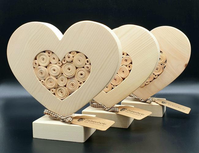 Zirben Holz Herzen als Geschenk zum Muttertag, Valentinstag oder zur Hochzeit!