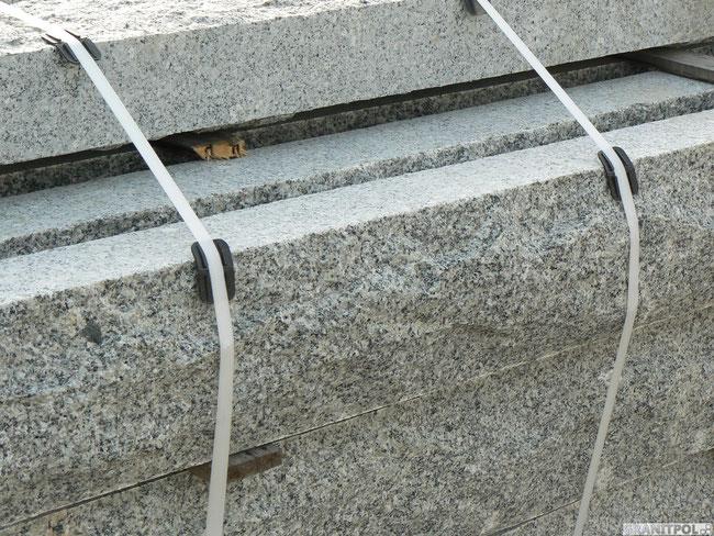 Pfosten aus schlesischem Granit