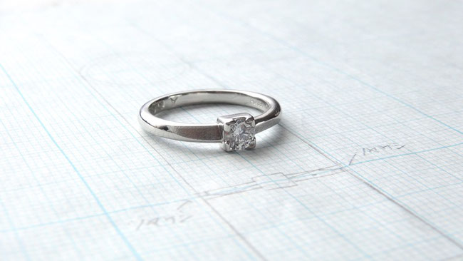 Pt900ダイヤモンド手作り婚約指輪「笑顔の証・幸福の証」