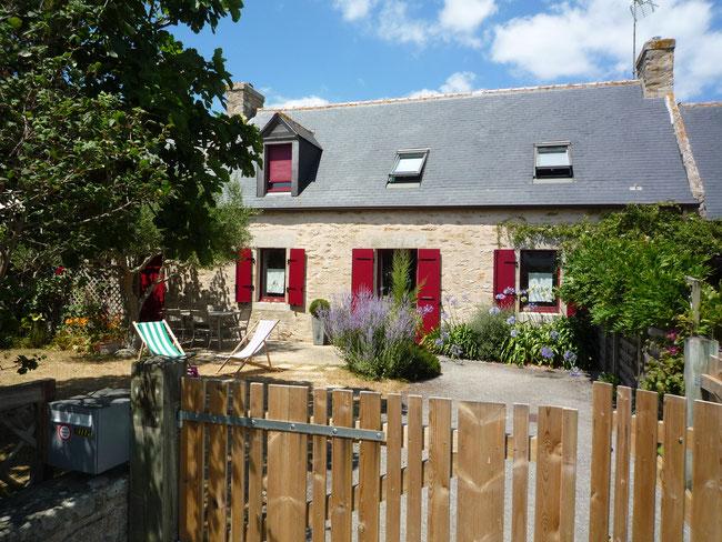 logement 6 personnes, façade sud sur le jardin, © Francis Le Bras
