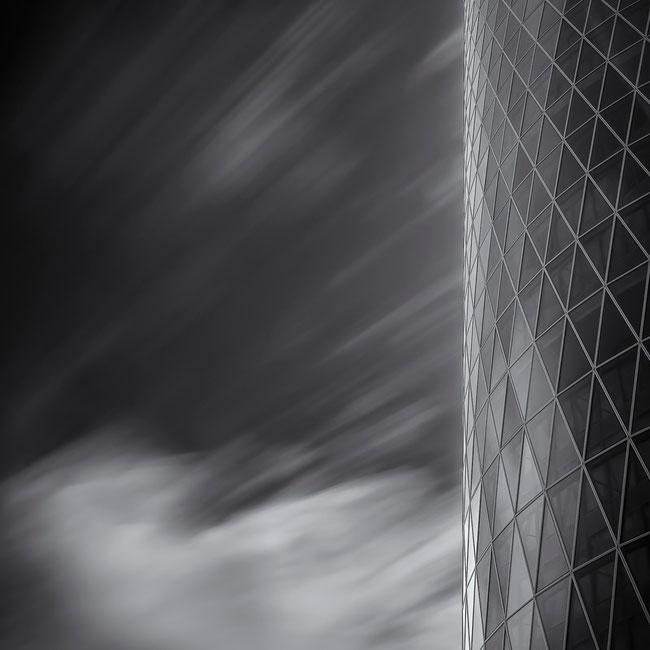 Frankfurt - Westhafen Tower #2 (Copyright Martin Schmidt, Fotograf für Schwarz-Weiß Fine-Art Architektur- und Landschaftsfotografie aus Nürnberg)
