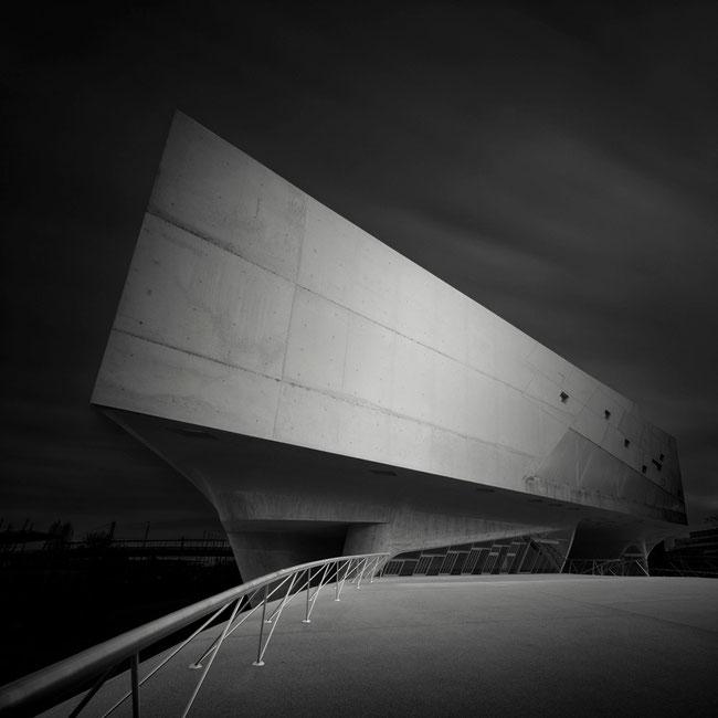 Phaeno Study #2 (Copyright Martin Schmidt, Fotograf für Schwarz-Weiß Fine-Art Architektur- und Landschaftsfotografie aus Nürnberg)