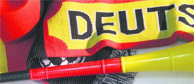 Da kann die WM doch kommen: Hut und Fanschal und Vuvuzela liegen bereit,