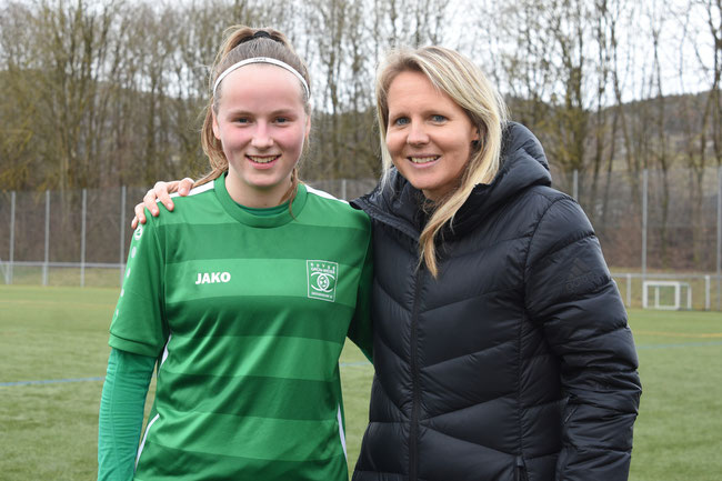 Franziska Kett mit U17 Nationaltrainerin Friederike Kromp
