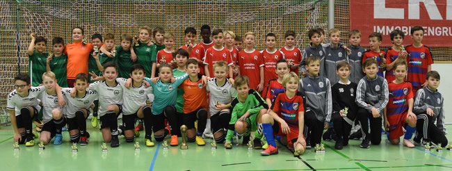Foto 1.Platz SV Wacker Burghausen  2. Platz FC Victoria Pilzen 3. TSV 1860 Rosenheim 4.Platz SpVgg GW Deggendorf (Foto: Harry Rindler )