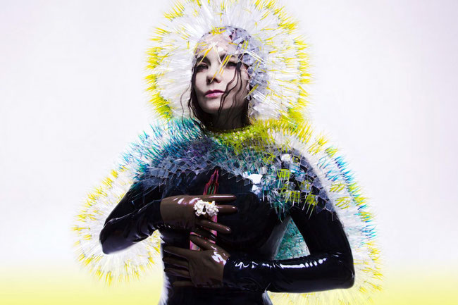 "Imagen de la promo del disco ""Vulnicura"" de Björk"