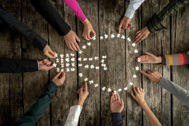 Coaching d'organisation - Coaching d'équipe dirigeante - Ateliers participatifs- Codéveloppement