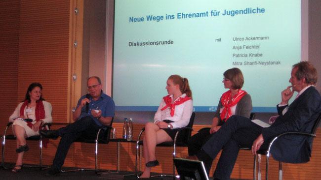 Ulrico Ackermann (Projekt change in) in der Diskussionsrunde - Foto: Freiwilligen-Zentrum Augsburg