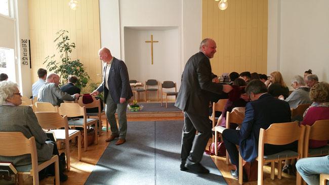 Gaben sammeln Missionsgaben Kirche Sammlung