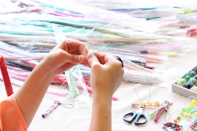 丁寧に教えて頂き、編んでいきます。