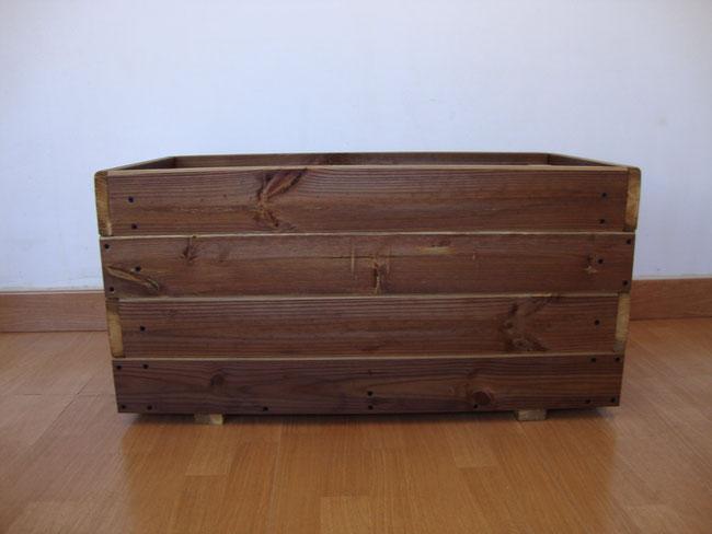 Jardineras de madera celosias baules huertos urbanos for Jardineras de madera para exterior