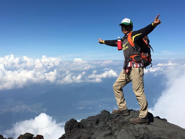 オサモミ整体院 富士山登山 山頂からの絶景