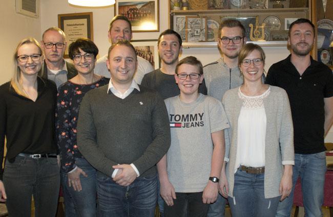 Mitglieder der Vorstandschaft zusammen mit ehemaligem ersten Vorstand Norbert Oppel