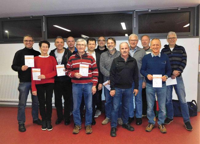 Von links: Stefan Meder, Helga und Martin Krausbauer, Bernd Rösch, Franz Siefert, Johannes Schmidt, Rainer Link, Ralf Zentner, Roland Walter, Karl Leibrecht, Artur Lurker, Wilfried Walter, Bernd Handrack.