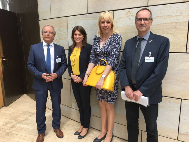 v.l. Prof. Dr. Bernd W. Böttiger, Sabine Wingen, Susanne Schneider MdL, Dr. Peter Gretenkort