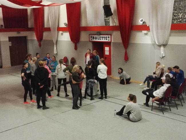 Trainingsauftakt für unser Rot-Weiss-Ballett