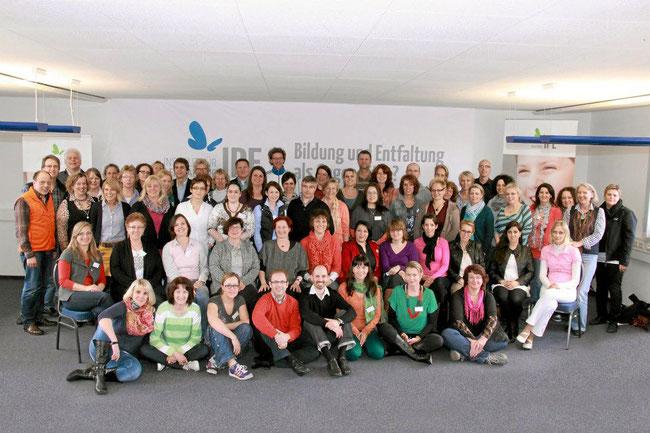 Einige IPE-Coaches, Therapeuten und Fachleute bei einem IPE-Bildungskongress