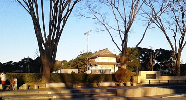 皇居内は撮影禁止でしたので外からの皇居(皇居、桔梗門あたり)