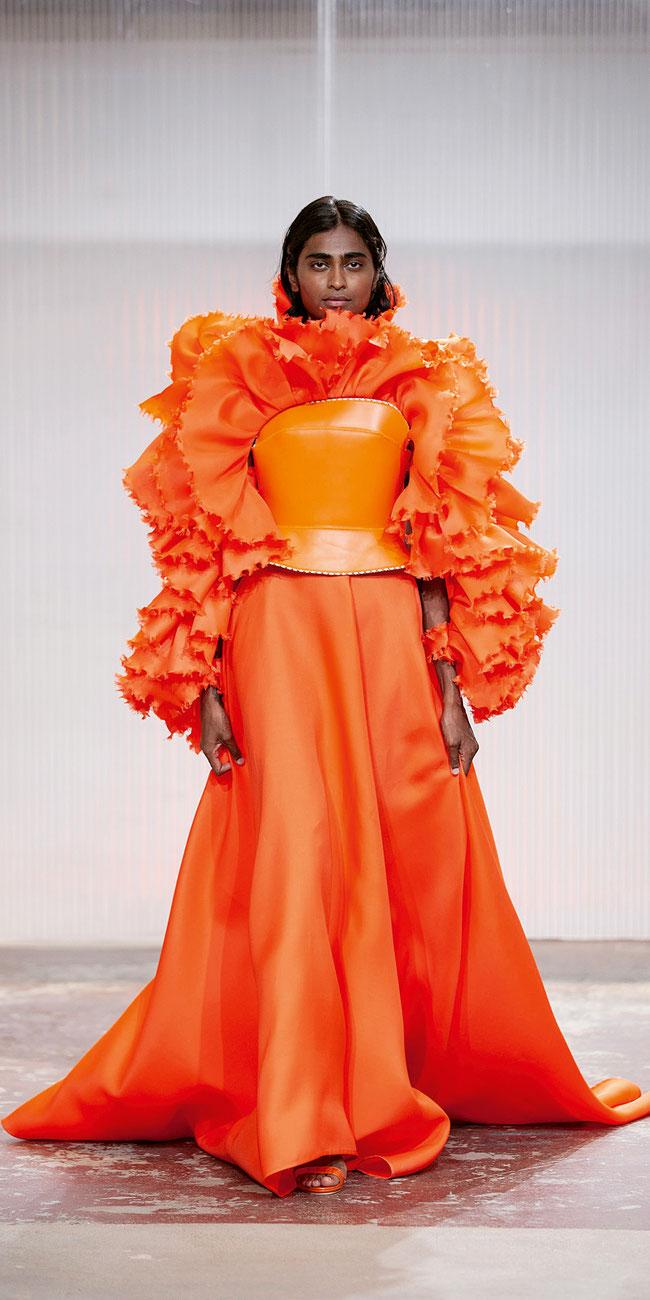 Stoff für Sehnsüchte: Die grossherzigen Couture-Gewänder des Tessiners Giancarlo Bello wirken wie Relikte aus unbeschwerten Tagen, als Bälle und Hochzeiten noch selbstverständlich waren …